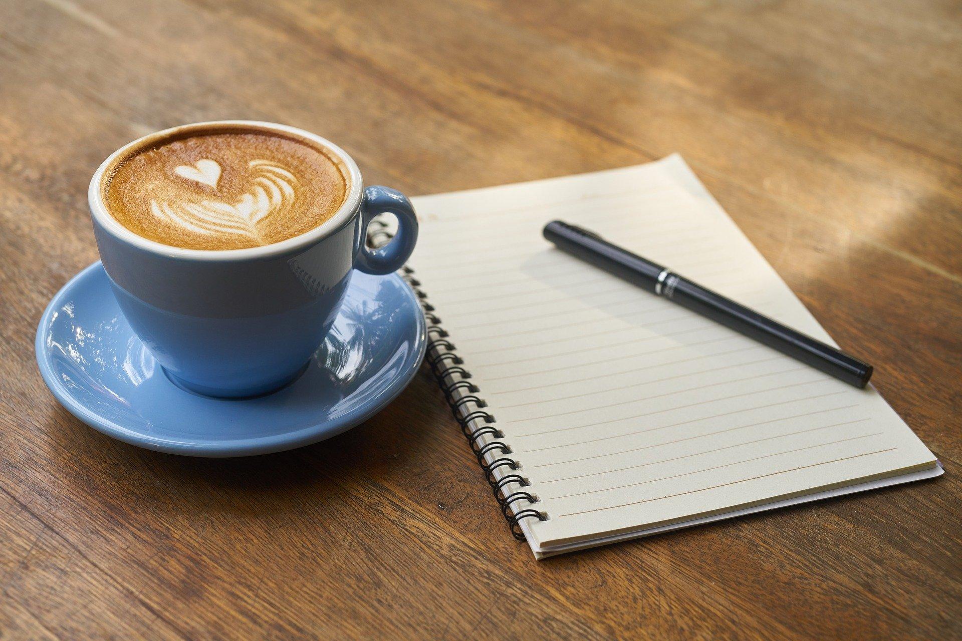 Koffie met kladblok- coffeeboon